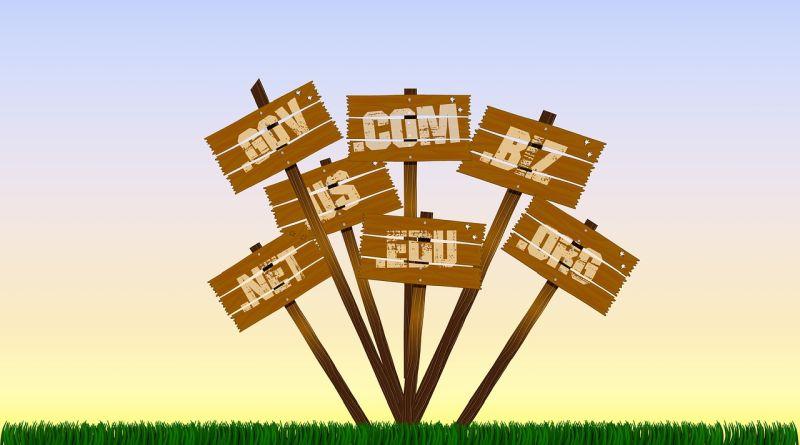 регистрация домена и прикрепление к сайту ucoz